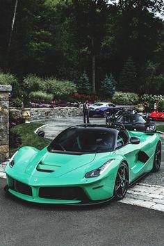 Mint Ferrari Laferrari