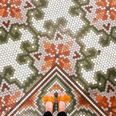 Part of a happy life I think is getting out and finding good wherever you can. There are so many amazing things out. Floor Patterns, Tile Patterns, Pattern Ideas, Tile Art, Hex Tile, Tiling, Mosaic Art, Hexagon Quilt, Hexagons