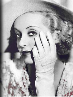 Bette Davis had such star quality and brilliant acting skills. There is no one like her. You can't take your eyes off her in any of her great movies.