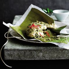 These fragrant Thai-flavoured chicken, lime and coconut parcels are slow-cooked in a steamer and make a suitably impressive dinner party main course, especially when served on a banana leaf. Slow Cooker Recipes, Cooking Recipes, Healthy Recipes, Savoury Recipes, Seafood Recipes, Dinner Party Main Course, Main Course Dishes, Lime Recipes, Dinner Party Recipes