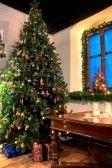 A traditional Austrian Christmas tree festively decorated #feelaustria