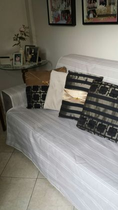 Manta para sofá  feita com tecido Verona impermeável .