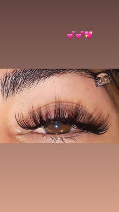 ✨Each extension is applied one by one for a very natural look and feel ✨Waterproof ✨Extensions do not cause damage to your natural lashes ✨Low maintenance ✨NO MORE MASCARA NEEDED ITravel Makeup Goals, Makeup Inspo, Makeup Tips, Natural Cosmetics, Makeup Cosmetics, Eyelash Extensions Styles, Fake Lashes, Natural Lashes, Laura Geller