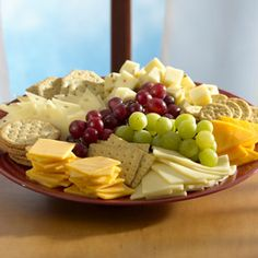 A party just wouldnt be a party without a beautifully arranged tray of cheese. Luckily, you dont have to be a chef to put one together. Purchasing sliced cheese in the Deli makes it super simple. Party Trays, Snacks Für Party, Appetizers For Party, Appetizer Recipes, Party Platters, Appetizer Ideas, Cheese And Cracker Platter, Cheese Platters, Cheese And Crackers
