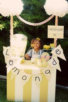 How cute is this little entrepreneur? This was totally me when I was a kid;)