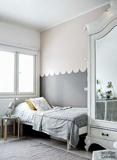 Colour blocking with two-different colours is always a great idea. We're especially liking this #kidsroom because of the scallop detailing on the wall.  It breaks up the two colours beautifully and looks so much more interesting than a straight line #kidsroomdecor #petitandsmall