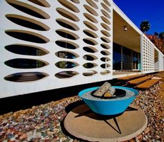 Pierced concrete screen is one of my favorite design features, and this is gorgeous.