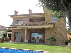 Se vende Chalet en Castell-Platja D´Aro mundocasagroup@gmail.com +34872980381