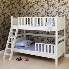 w hlen sie das richtige hochbett mit treppe f rs. Black Bedroom Furniture Sets. Home Design Ideas