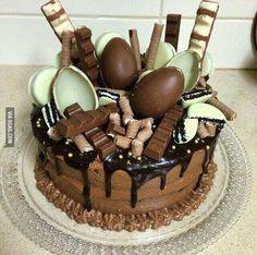 Imagem de chocolate, cake, and food Food Cakes, Cupcake Cakes, Cake Recipes, Dessert Recipes, Surprise Cake, Drip Cakes, Creative Cakes, Creative Ideas, Celebration Cakes
