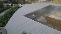 Twinson Terrace Massive: realizzazione un bordo piscina sicuro, antiscivolo e piacevole al tatto - San Marco di Castellabate - Salerno.  #realizzazioni #twinson #terracemassive #piscina #sicura #antiscivolo