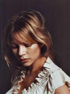 such a gorgeous portrait of Michelle Williams.