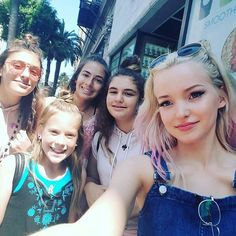 Dove Cameron with fans  Pinterest @summerkaycee14