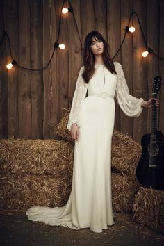 Wedding dress by Jenny Packham from the 2017 Bridal collection. Image courtesy of Jenny Packham. Spring 2017 Wedding Dresses, Vintage Style Wedding Dresses, Country Wedding Dresses, Gorgeous Wedding Dress, Designer Wedding Dresses, Bridal Style, Wedding Gowns, Wedding Blog, Wedding Mandap