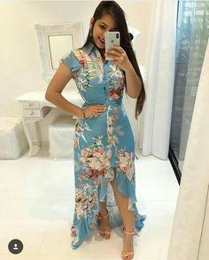 #vestido #modaevangelica #assembleiana #inspiraçao  #cristã #mulher #top #lindasemservulgar #fotografia Posh Dresses, Casual Dresses, Modest Fashion, Women's Fashion Dresses, Simple Kurti Designs, Printed Gowns, Trend Fashion, Western Dresses, Indian Designer Wear
