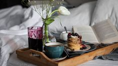 These Mother's Day Brunch Recipes Will Make Any Mom Smile Diy Mother's Day Brunch, Mothers Day Brunch, Brunch Party, Brunch Recipes, Breakfast Recipes, Party Recipes, Valentines Gifts For Her, Gifts For Your Mom, Mother's Day Diy