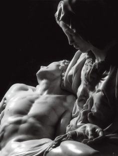 La Pieta // Michelangelo