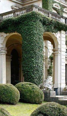 A fine manor garden Porte Cochere, Landscape Design, Garden Design, House Design, Formal Gardens, Outdoor Gardens, Exterior Design, Interior And Exterior, Beautiful Gardens