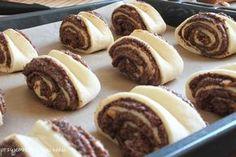 bułki słodkie z makiem,drożdżówki z makiem,bułki z makiem Sweet Bakery, Doughnut, Cookies, Chocolate, Baking, Recipes, Buns, Polish, Eat