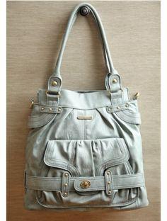 Love big bags, love the gray.