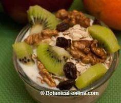 yogur con avena pasas nueces kiwi fruta