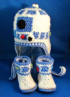 R2D2 Set for Baby / Crocheted Star Wars Earflap Hat & Booties - made to order