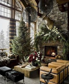 Most of us in the quest of contemporary Christmas decorations end up with hefty bills and lots of chaos in the home. Contemporary Christmas decorations never mean that you have to stuff your home with each and every decorative item… Continue Reading → Rustic Christmas, Christmas Home, Christmas Lights, Cabin Christmas Decor, Modern Christmas Decor, Christmas Living Rooms, Christmas Design, Christmas Trees, Christmas Holidays