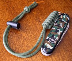 I made this paracord  wrist lanyard by following another video tutorial  by JD of TIAT.  The 'Rattlesnake Fob', as JD calls it by it's look,...