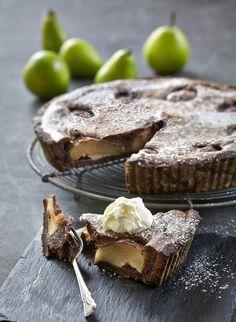 Pæretærte med marcipan og chokolade Danish Cake, Danish Food, Sweet Pie, Sweet Tarts, Sweets Cake, Cupcake Cakes, Eat Dessert First, Cake Cookies, Yummy Cakes
