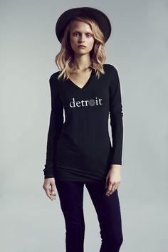 Detroit Long Sleeve Fitted V-Neck