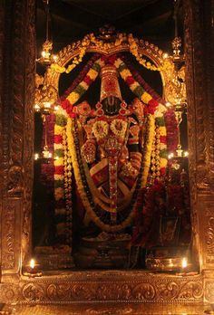 Temple at Tirumala. High up in the mountains. I'm lucky that I got to go and experience what so many consider a sacred place. Lord Murugan Wallpapers, Lord Krishna Wallpapers, Lord Vishnu, Lord Shiva, Peru, Lord Balaji, Lord Krishna Images, Goddess Lakshmi, Hindu Deities