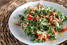 Quinoa and Kale Salad with Lemon Vinaigrette - My healthier take on this Cheesecake Factory salad