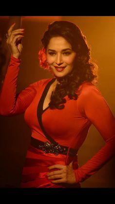 Hot Actresses, Indian Actresses, Bollywood Fashion, Bollywood Actress, India Beauty, Asian Beauty, Madhuri Dixit Saree, Indian Actress Images, Vintage Bollywood