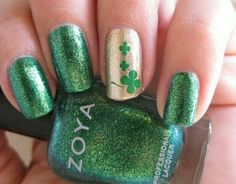 Lucky nails green and gold