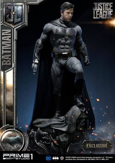 This is the Justice League Batman statue that I worked on for Prime 1 Studio. As a huge Batman fan, this was an amazing project to be a part of. Dc Comics, Batman Comics, League Of Heroes, Dc Heroes, I Am Batman, Batman Art, Gotham Batman, Batman Robin, Superman