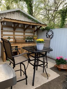 Used Chair Lifts For Stairs Code: 2145184665 Patio Bar Stools, Swivel Bar Stools, Bar Chairs, High Chairs, Old Bar, Outdoor Lounge Chair Cushions, Bar Height Table, Used Chairs, Bistro Set