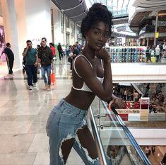 Dark Beauty, Ebony Beauty, Beautiful Dark Skinned Women, Beautiful Black Girl, Beautiful Heels, Black Girl Magic, Black Girls, Hot Black Women, Black Girl Swag