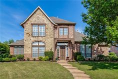 Property 611 Comanche, Allen , 75013 has 4 bedrooms, 3.1 bathrooms with 3403 square feet.