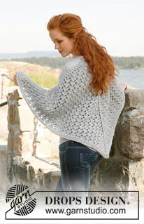 "Knitted DROPS shawl with pattern in ""Eskimo"". ~ DROPS Design"