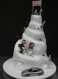 Top of cupcake wedding cake -- make waterslides instead of ski hill