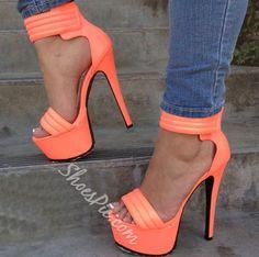Graceful Ankle Strap Platform Sandals- Shoespie.com