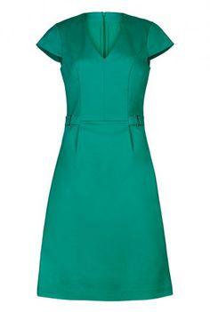 Clean Sharp V-neck Dress