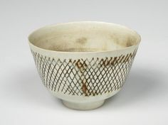 LucieRie,Bowl,footed,porcel...