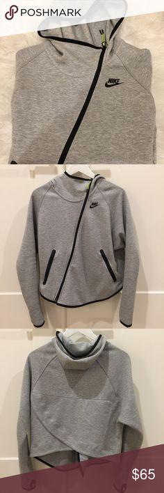 Nike Hoodie Size Small Nike Hoodie Size Small. Still in GREAT condition. Nike Tops Sweatshirts & Hoodies