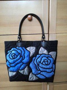 Patchwork Bags, Quilted Bag, Denim Handbags, Purses And Handbags, Diy Handbag, Tote Pattern, Denim Bag, Fabric Bags, Shopper