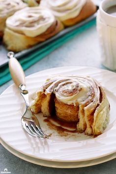 Don't let the long prep time keep you from making these yummy rolls- most of the time is just waiting! Alton Brown Cinnamon Rolls, Food Network Recipes, Food Processor Recipes, Overnight Cinnamon Rolls, Brown Recipe, Bread Rolls, Sweet Bread, Relleno, Baking Recipes
