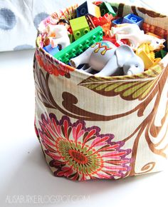 Sewing Tutorial: Fabric storage bin D.I.Y. on alisaburke.blogspot.com. #storage #basket #organization #organize #diy #decor #bag #cloth #upholstery