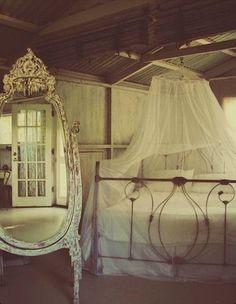 White Vintage Beedroom