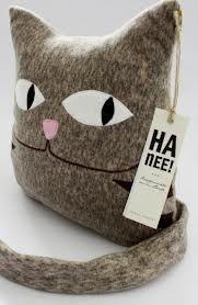 cat pillow Dyi Pillows, Pin Cushions, Throw Pillows, Old Sweater, Cat Pillow, Textiles, Cat Crafts, Animal Pillows, Softies