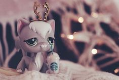 """Find and save images from the """"LPS"""" collection by Alyssa (ToraleiJekyll) on We Heart It, your everyday app to get lost in what you love. Lps Littlest Pet Shop, Little Pet Shop Toys, Little Pets, Lps Diy Accessories, Lps Drawings, Lps For Sale, Custom Lps, Lps Cats, Cute Animal Memes"""
